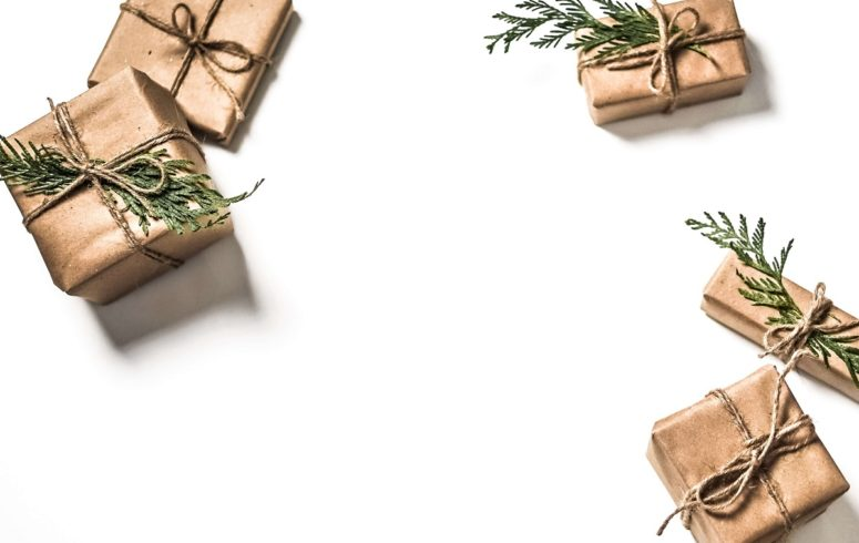 5 Eco-Conscious Gift Wrap Ideas For the Holidays